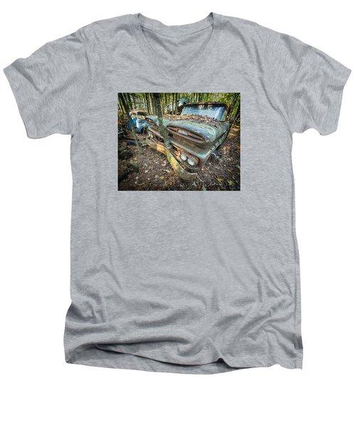 Chevy Tree Men's V-Neck T-Shirt