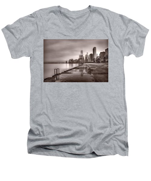 Chicago Foggy Lakefront Bw Men's V-Neck T-Shirt