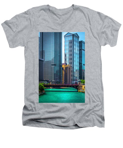 Chicago River From Michigan Ave Dsc2107 Men's V-Neck T-Shirt by Raymond Kunst