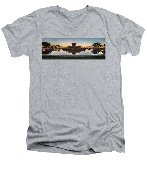 Chicago's Buckingham Fountain At Dawn  Men's V-Neck T-Shirt
