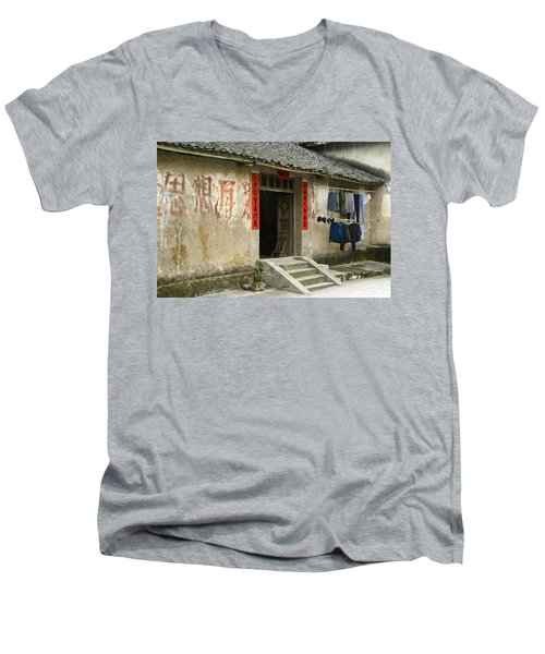 Chinese Laundry Men's V-Neck T-Shirt