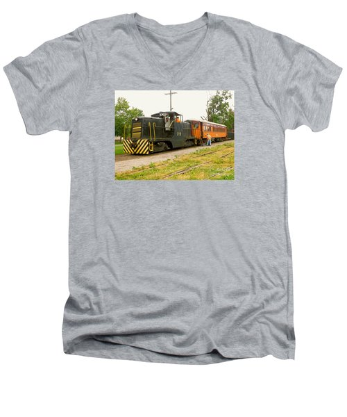 Choo Choo Men's V-Neck T-Shirt