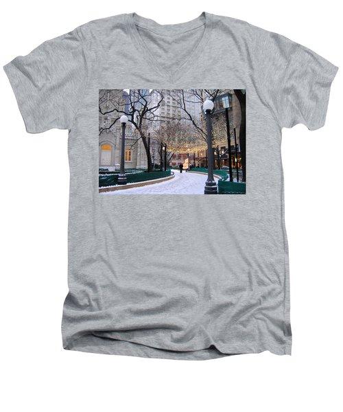 Christmas In Chicago Men's V-Neck T-Shirt