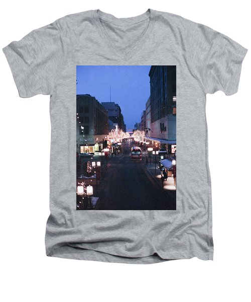 Christmas On The Mall Men's V-Neck T-Shirt