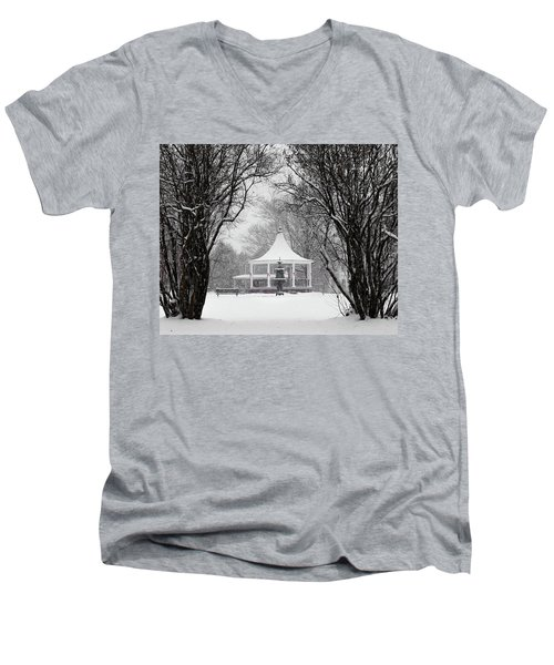 Christmas Season In The Park Men's V-Neck T-Shirt