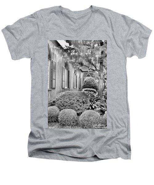 Church Of The Cross Bluffton Sc Black And White Men's V-Neck T-Shirt