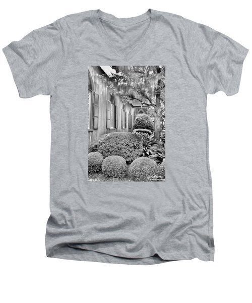 Church Of The Cross Bluffton Sc Black And White Men's V-Neck T-Shirt