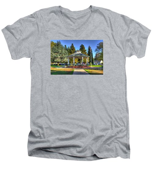 City Park Men's V-Neck T-Shirt