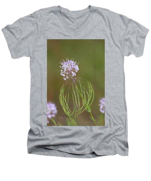 Clasping Warea Men's V-Neck T-Shirt