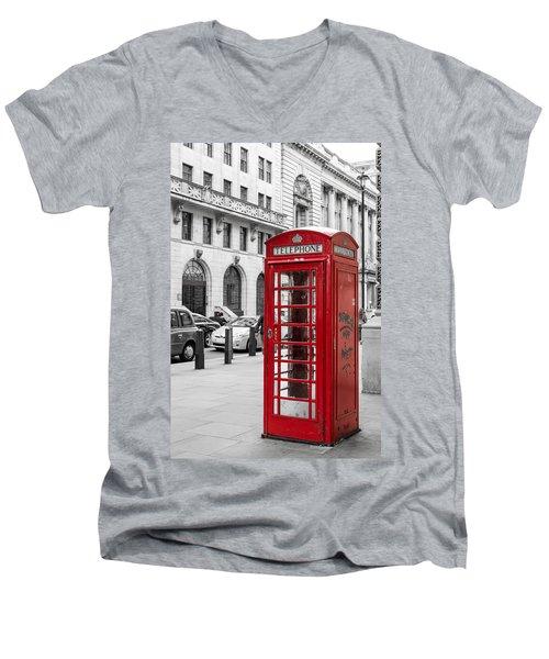 Red Telephone Box In London England Men's V-Neck T-Shirt