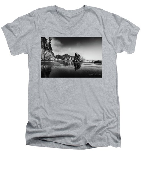 Clear Day At Ruby Beach Men's V-Neck T-Shirt