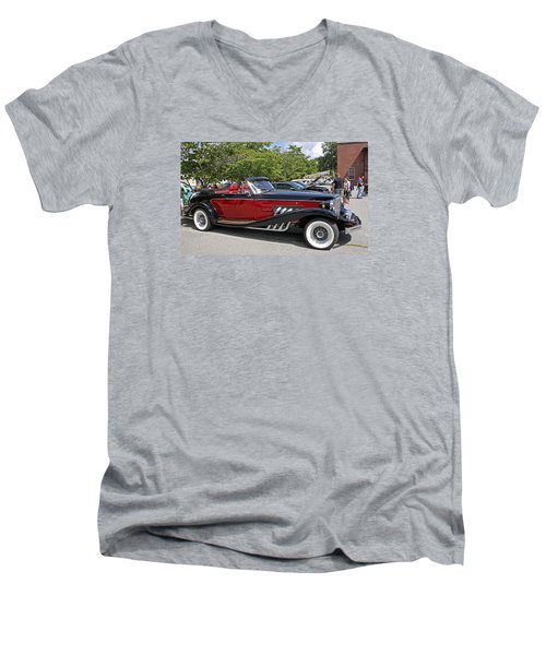 Clenet Men's V-Neck T-Shirt