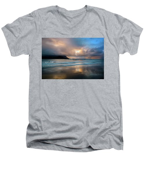 Cloudy Sunset At Hanalei Bay Men's V-Neck T-Shirt