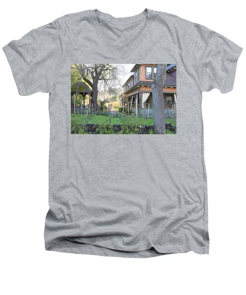 Cloverdale Casa Men's V-Neck T-Shirt