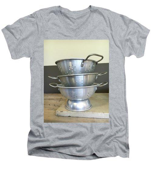 Colanders Men's V-Neck T-Shirt
