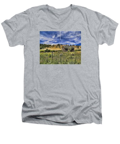 Colorado Homestead Men's V-Neck T-Shirt by John Bushnell