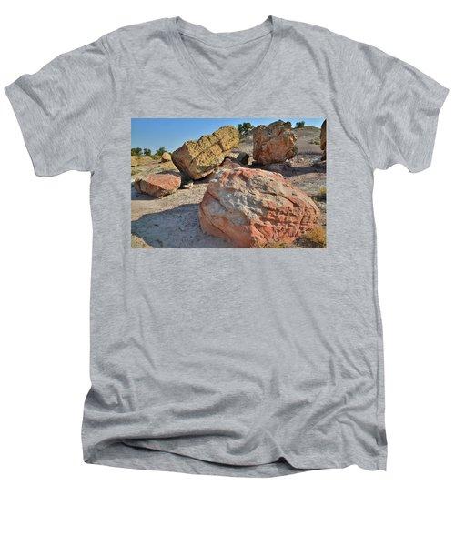 Colorful Boulders In The Bentonite Site On Little Park Road Men's V-Neck T-Shirt