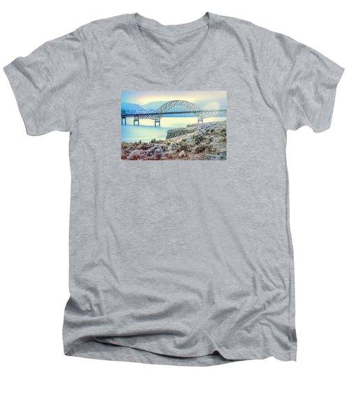 Columbia River Vantage Bridge Men's V-Neck T-Shirt
