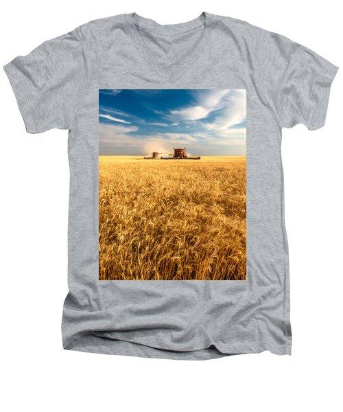 Combines Cutting Wheat Men's V-Neck T-Shirt