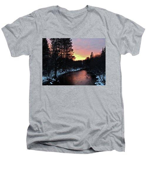Cook's Run Men's V-Neck T-Shirt