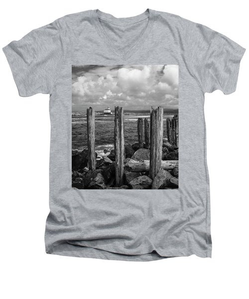 Coquille Lighthouse Men's V-Neck T-Shirt