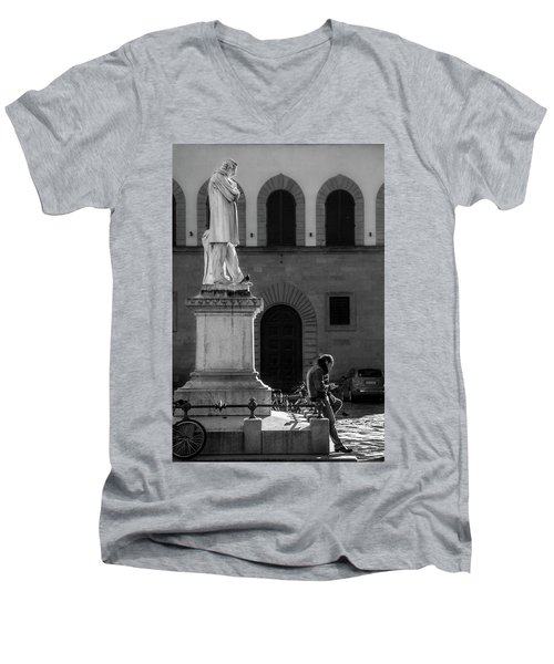 Men's V-Neck T-Shirt featuring the photograph Cosimo Ridolfi by Sonny Marcyan