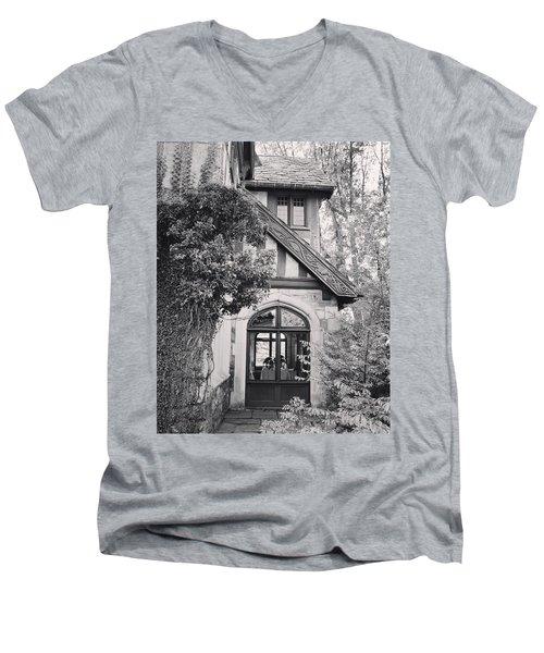 Cottage Entrance Men's V-Neck T-Shirt