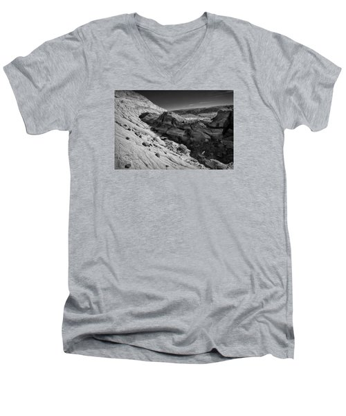 Cottonwood Creek Strange Rocks 7 Bw Men's V-Neck T-Shirt