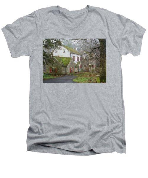 Country House Men's V-Neck T-Shirt