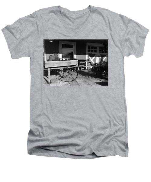 Country Store Men's V-Neck T-Shirt