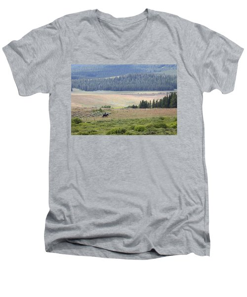 Cow Camp View Men's V-Neck T-Shirt