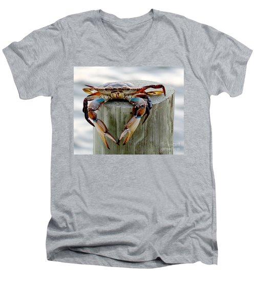 Crab Hanging Out Men's V-Neck T-Shirt