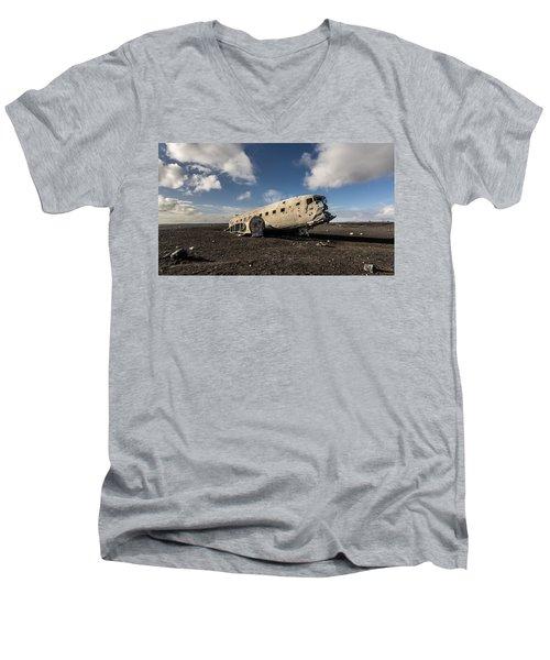 Crashed Dc-3 Men's V-Neck T-Shirt