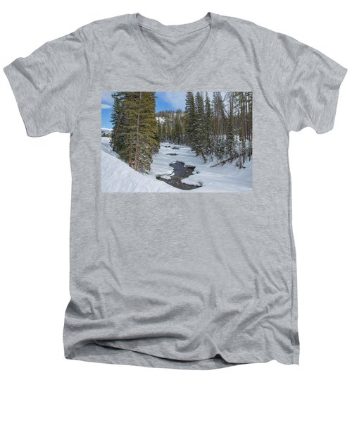 Crossing The Elk Men's V-Neck T-Shirt