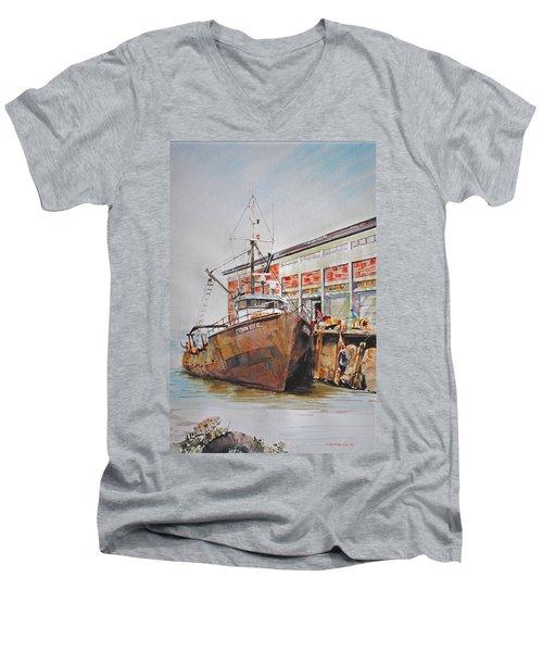 Crown Royal Men's V-Neck T-Shirt
