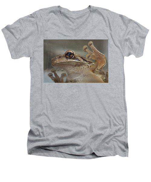 Cuban Treefrog Men's V-Neck T-Shirt