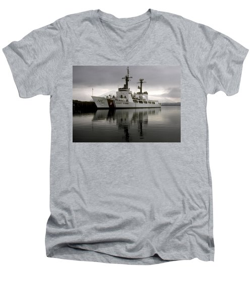 Cutter In Alaska Men's V-Neck T-Shirt by Steven Sparks