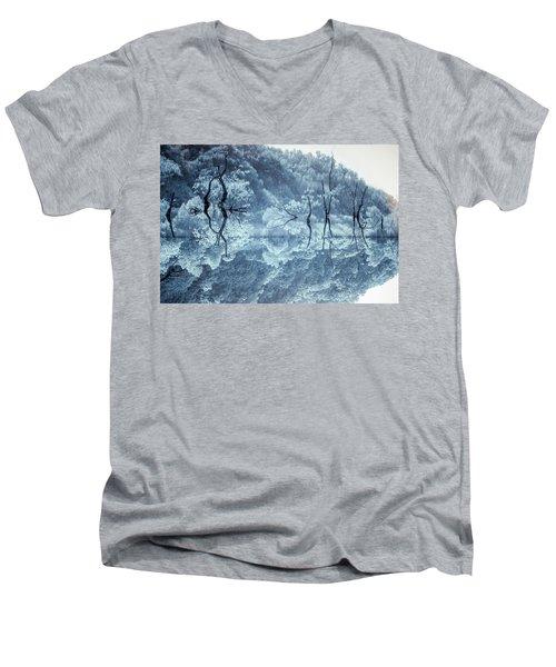 Daejeon Lohas 3 Men's V-Neck T-Shirt