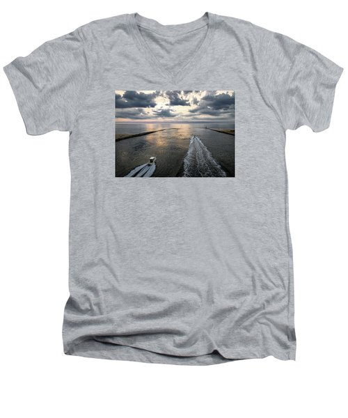 Dawn Race To The Fish Men's V-Neck T-Shirt
