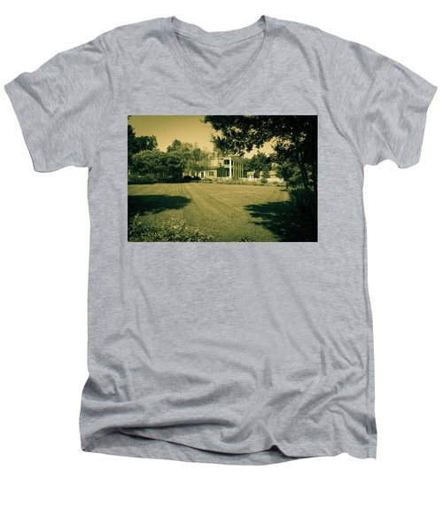 Days Bygone - The Hermitage Men's V-Neck T-Shirt
