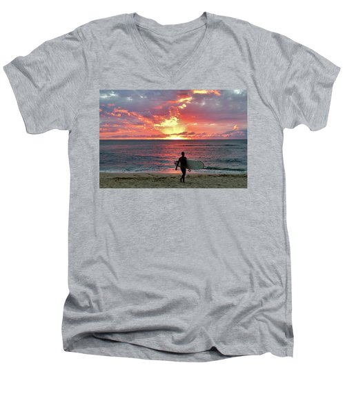 Day's End On The North Shore Men's V-Neck T-Shirt