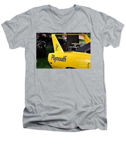 Daytona Men's V-Neck T-Shirt