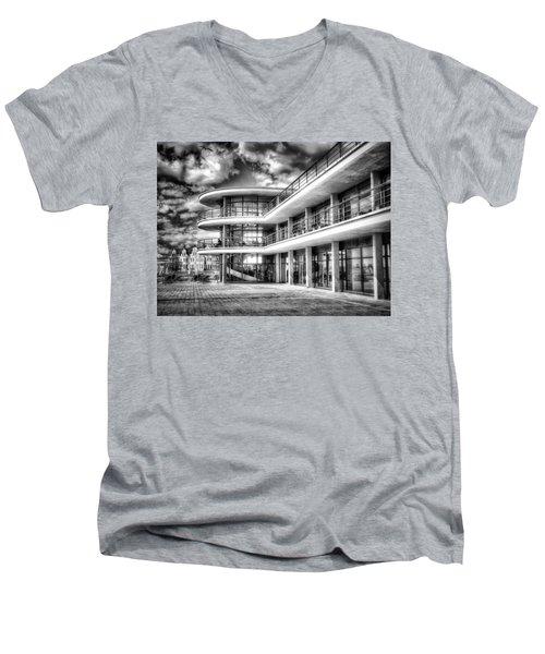 De La Warr Pavillion Men's V-Neck T-Shirt