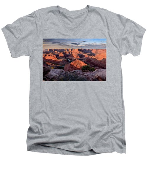 Dead Horse State Park Men's V-Neck T-Shirt