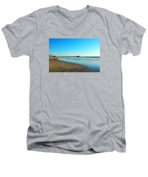 December Days Men's V-Neck T-Shirt