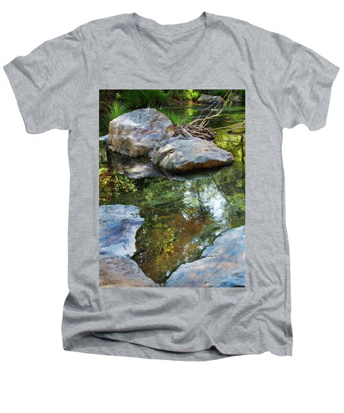 Deer Creek Point Print Men's V-Neck T-Shirt
