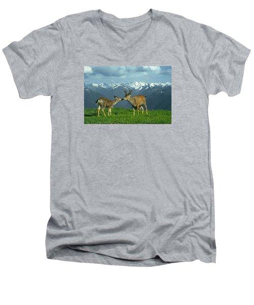 Ma-181-deer In Love  Men's V-Neck T-Shirt
