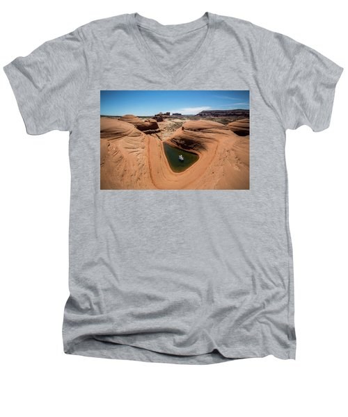 Delta Pool 2 Men's V-Neck T-Shirt