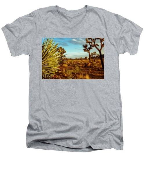 Desert Fan Men's V-Neck T-Shirt