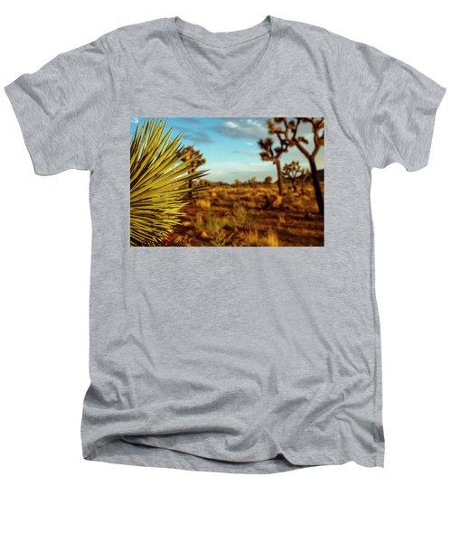 Desert Fan Men's V-Neck T-Shirt